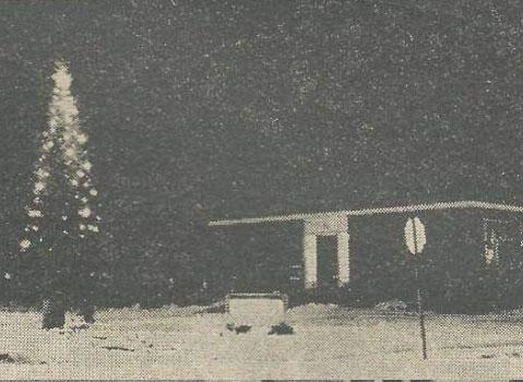 Newspaper clipping Markdale hospital xmas tree